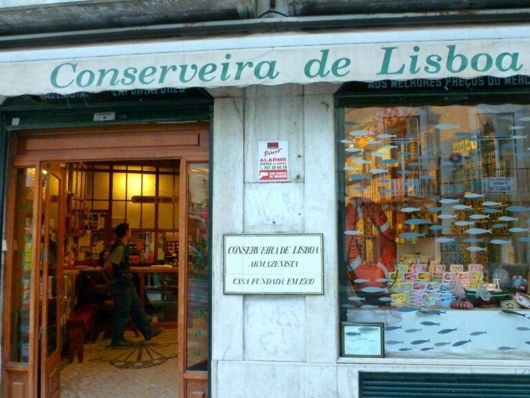 Savoring the Flavors of Lisbon's Authentic Culinary Heritage