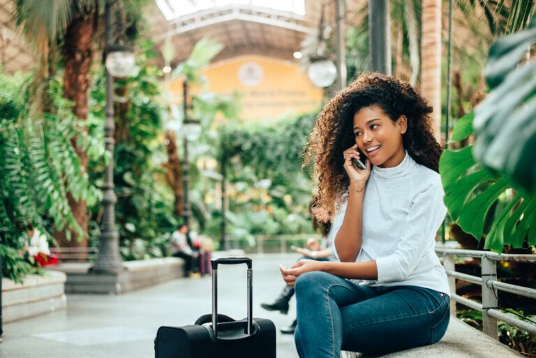 Travel Apps and Mobile Plans to Keep You Connected