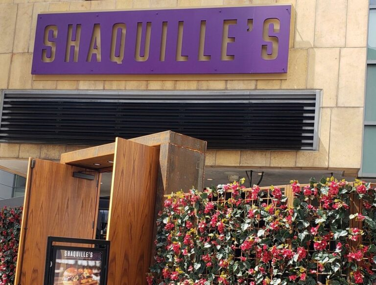 Shaquille's: Southern-Style Cuisine in the Heart of Los Angeles
