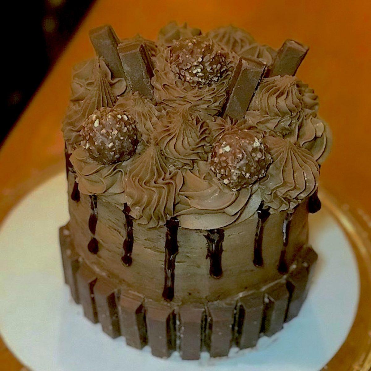 Chocolate cake by Jordan Legend