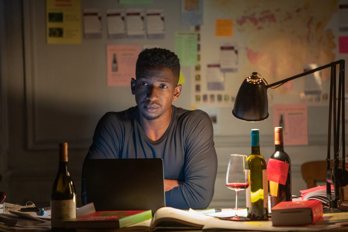 Mamoudou Athie as Elijah in the movie Uncorked