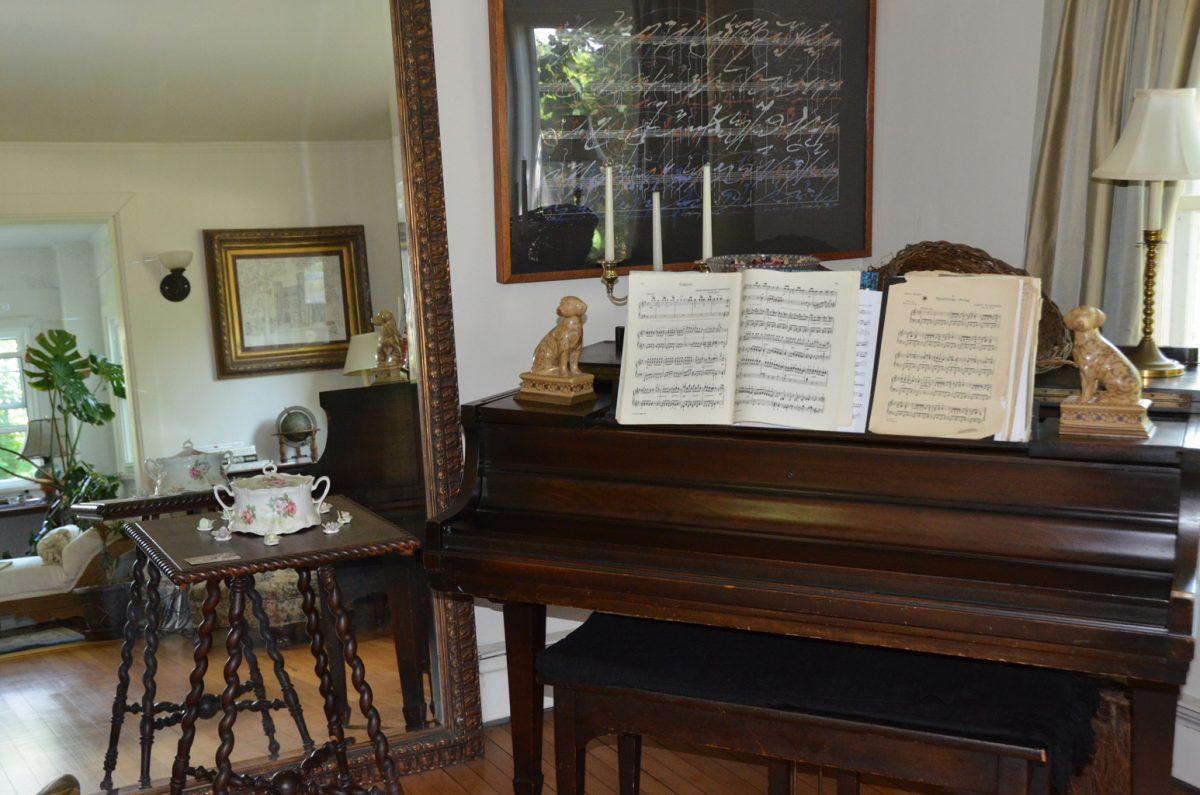 Ye Olde Manor House Bed & Breakfast