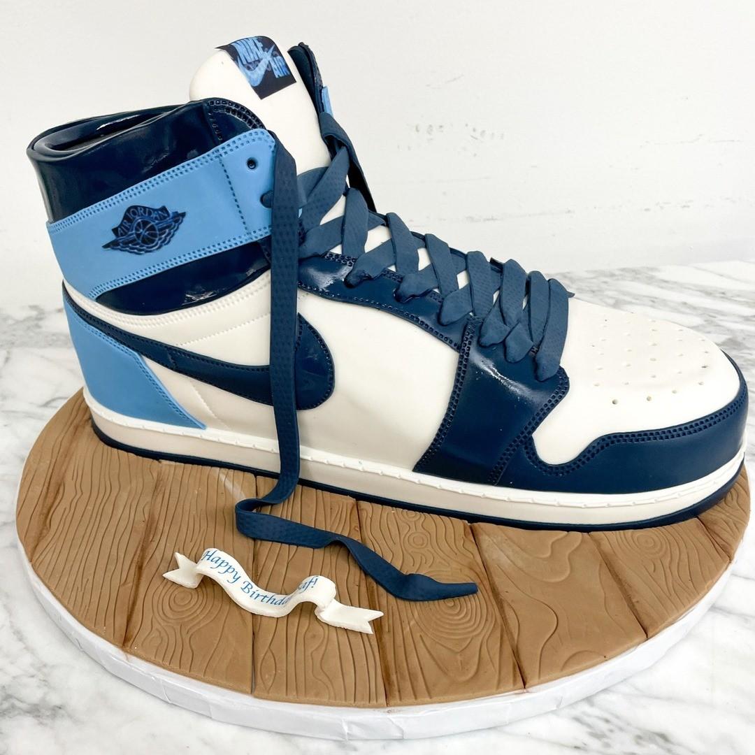 Nike shoe cake by Chic Sugars