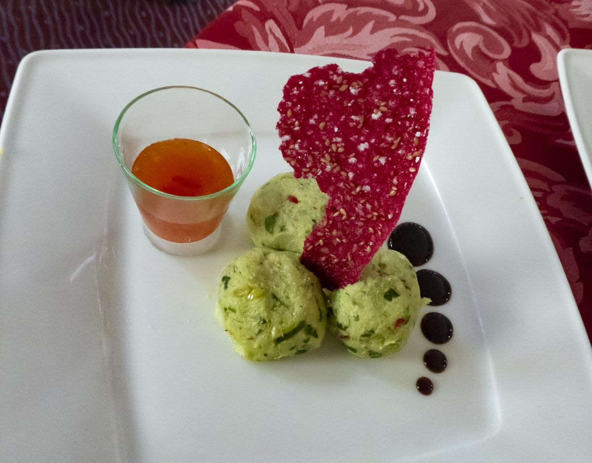 Féroce d'avocat with coral dentelle and sweet and sour sauce