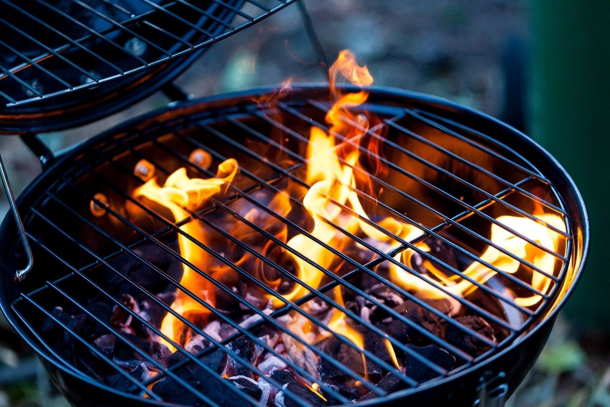 Considerations for Buying a New Charcoal Grill